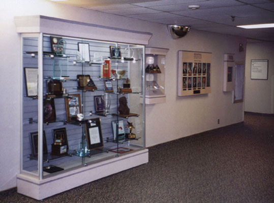 Display Design - Largo Medical Center displays and trophy cases